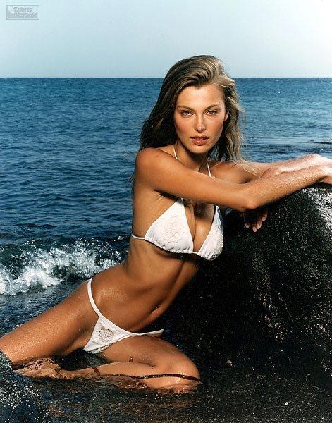 bikini Aurélie Claudel