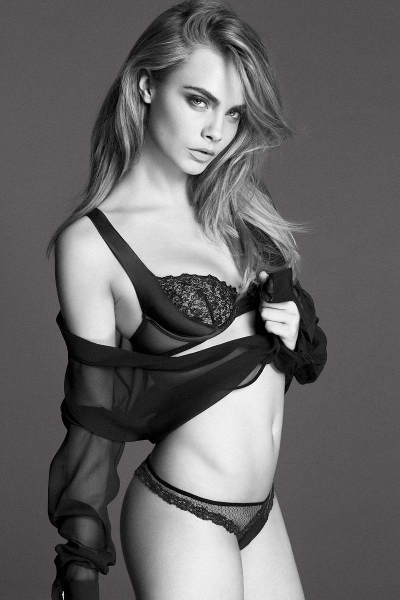 lingerie Cara Delevingne