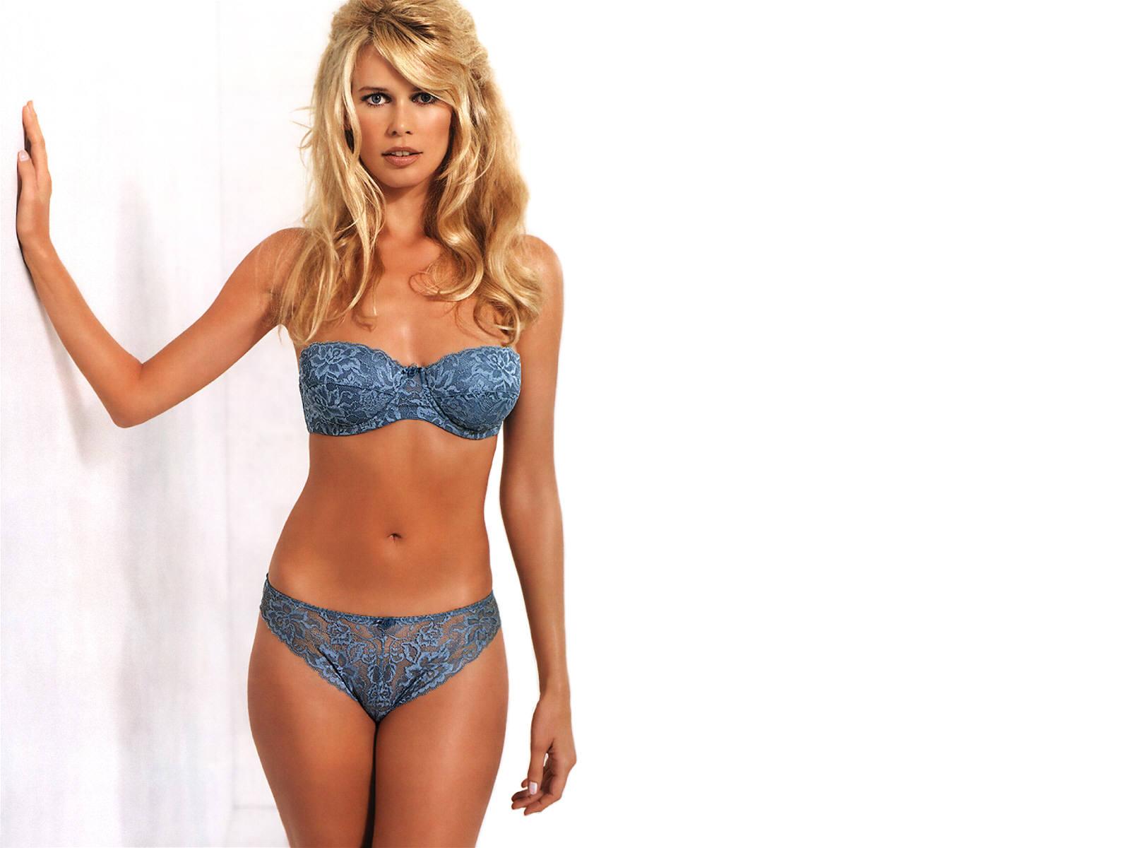 lingerie Claudia Schiffer