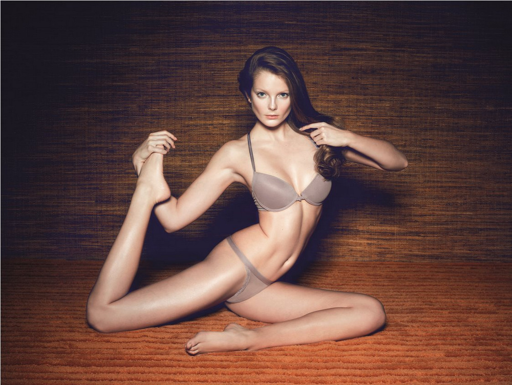 lingerie Eniko Mihalik