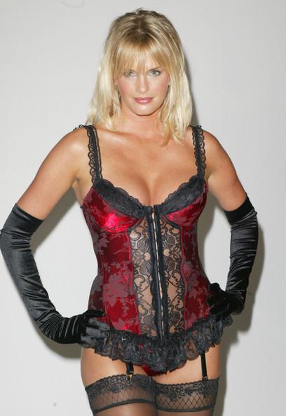 lingerie Kylie Bax