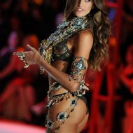 Victoria's secret Izabel Goulart