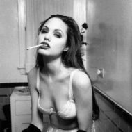 Angelina jolie toute lingerie