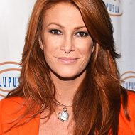 Angie everhart taille