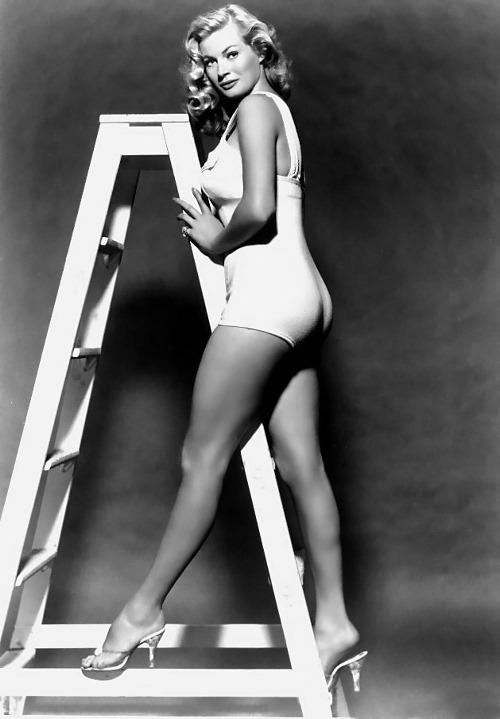 Anita Ekberg lingerie