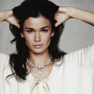 Caroline Ribeiro lingerie