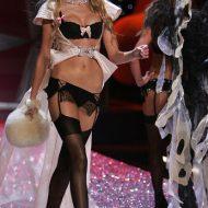Caroline trentini lingerie
