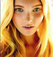 Elsa hosk face