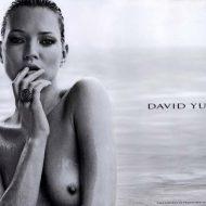 Ensemble seins nus avec bijoux