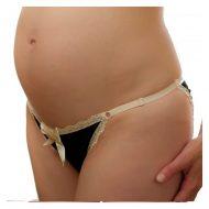 Femme enceinte en string
