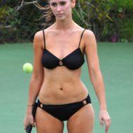 Jennifer Love-Hewitt bikini