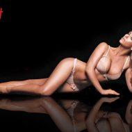 Jennifer Love-Hewitt lingerie