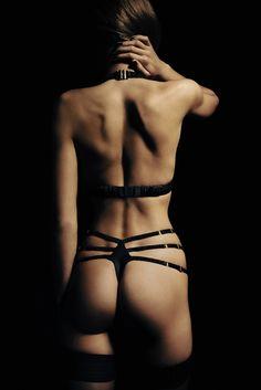lingerie la luna garter and gloves rouge noir beauty night sm