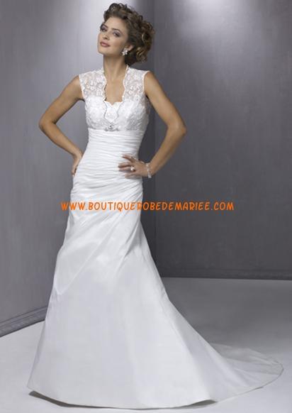 robe a bretelles avec large dentelle