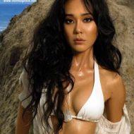 Yunjin Kim bikini